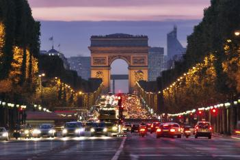 38929685-champs-elysees